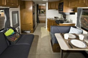 Cruise America Large C30 2 5 Berth Motorhome