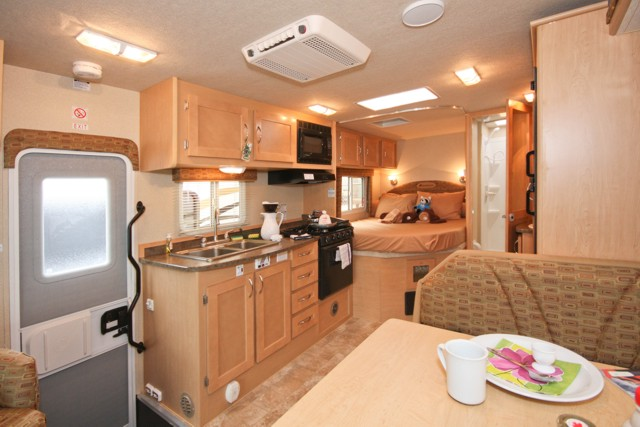 Fraserway C Large Rv 23 25ft With Slideout 5 Berth