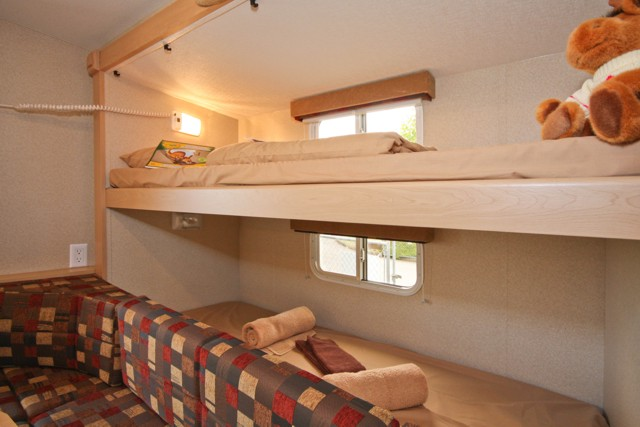 Small Camper With Slide Out >> Fraserway 10ft Truck Camper with Bunk Beds - 3+2 Berth Motorhome
