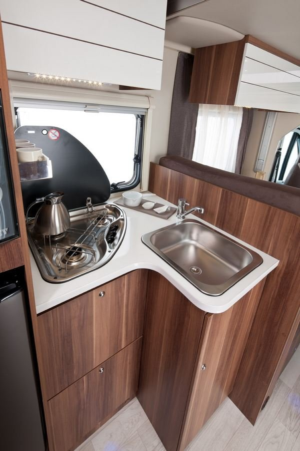Excellent Just Go Motorhome  Endeavour  61 Berth Automatic Motorhome